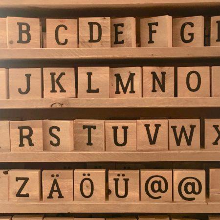 uniwersalne gry do nauki języków